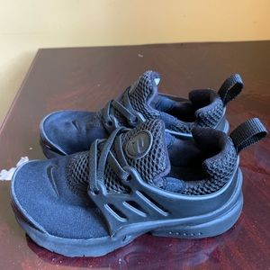 Other - Nike Presto Black/Black Kids size 10c
